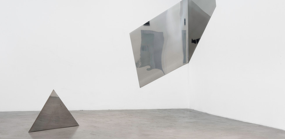 Situación Soledad Dahbar 2017, Esquinas, ángulos Piezas de acero inoxidable