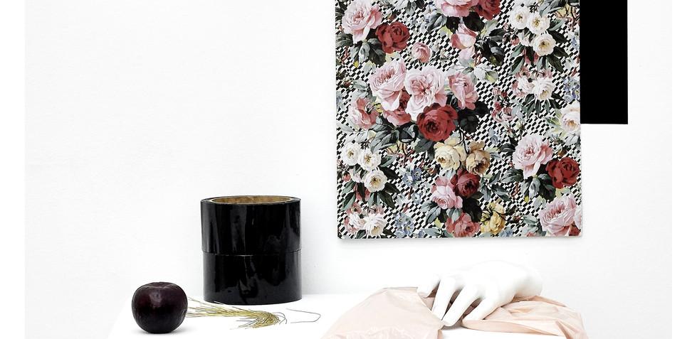 About Kirsten 2019 Lorena Fernández, Teatrito (modestia y vanidad) Fotografía digital, impresión glicée sobre papel de algodón