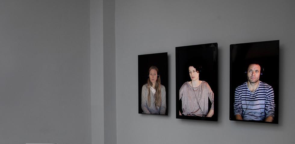 Las personas no van juntas Lihuel González 2016, imagen de sala
