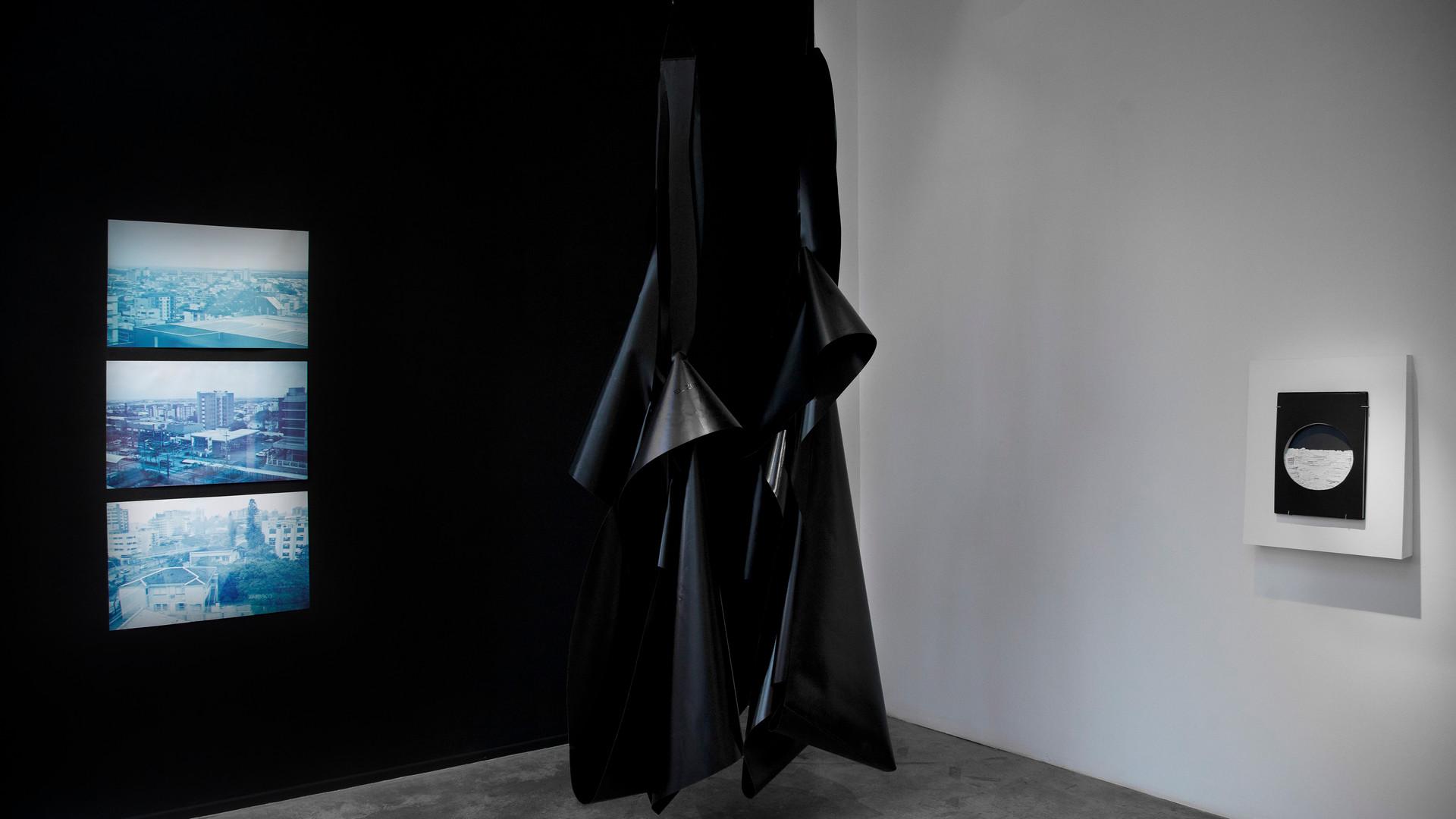 Tristes trópicos Lorena Marchetti - Kirsten Mosel - Sebastián Camacho 2017, imagen de sala