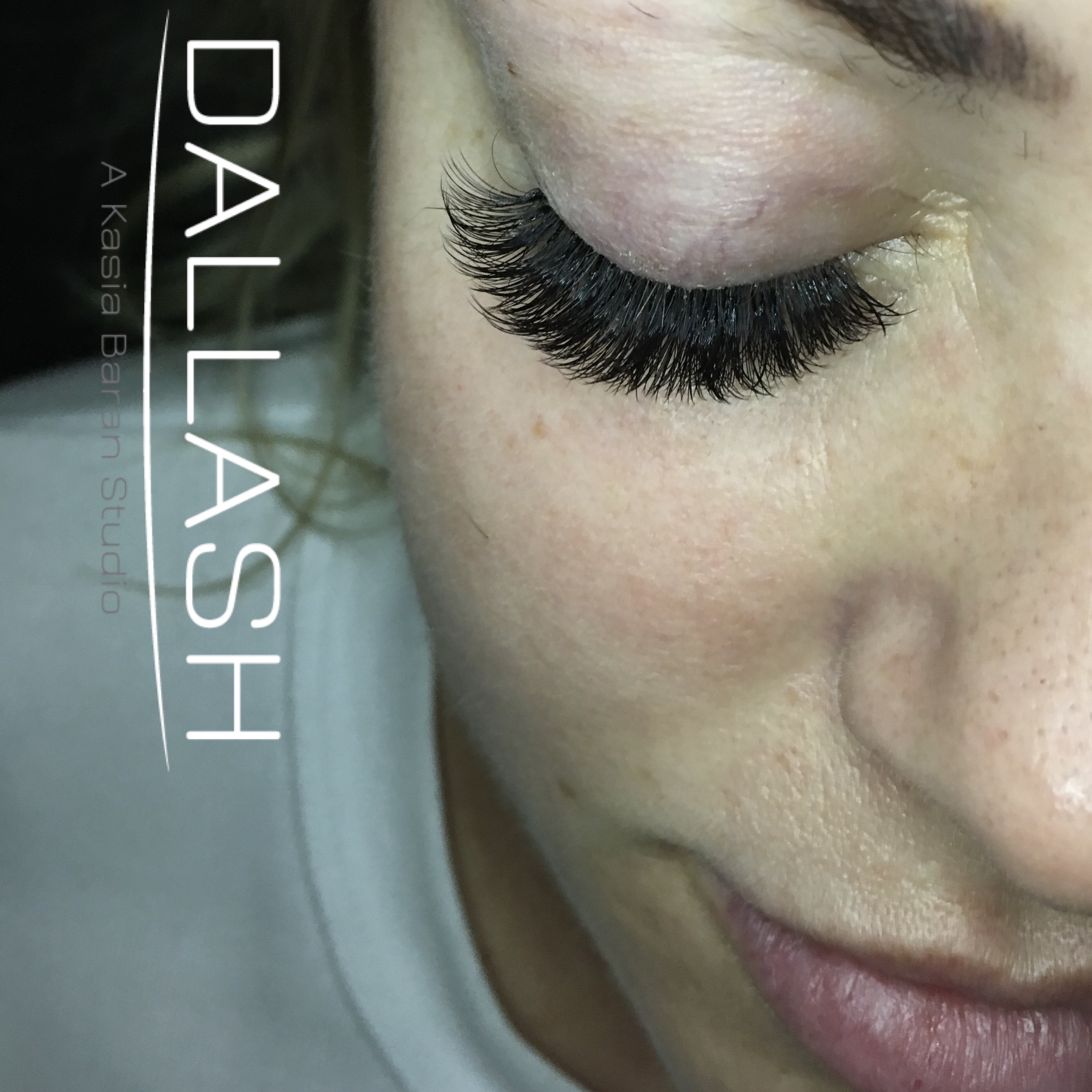 MEGA VOLUME- Volume lashes-lashes-mega volume-russina volume-dallas lashes- dallash-eyelash extensio