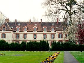 Château du Prieuré des Basses Loges,  Fontainebleau-Avon (France)