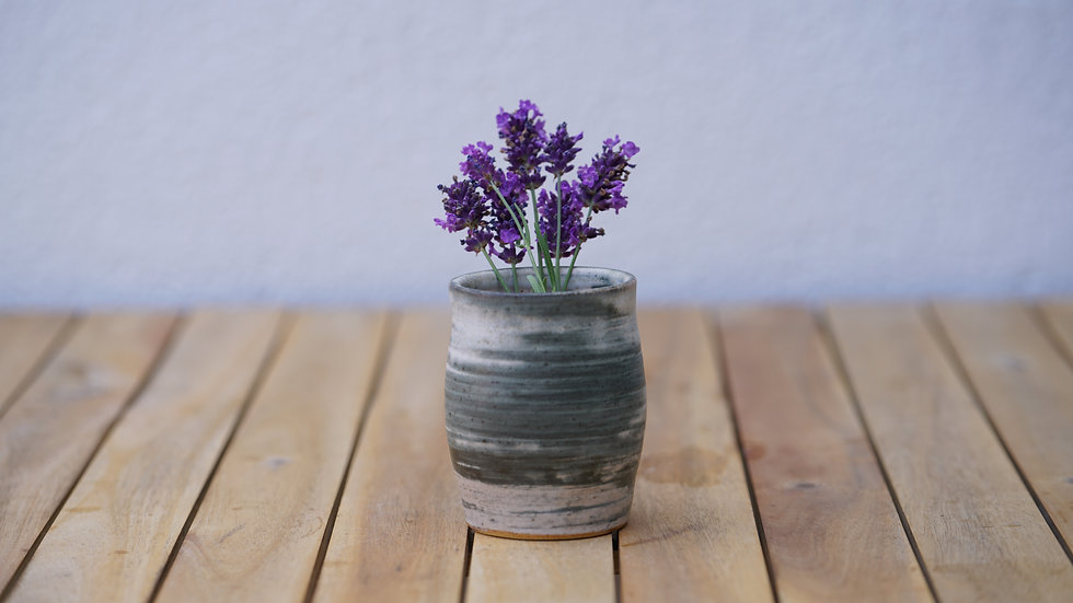 open lip vase