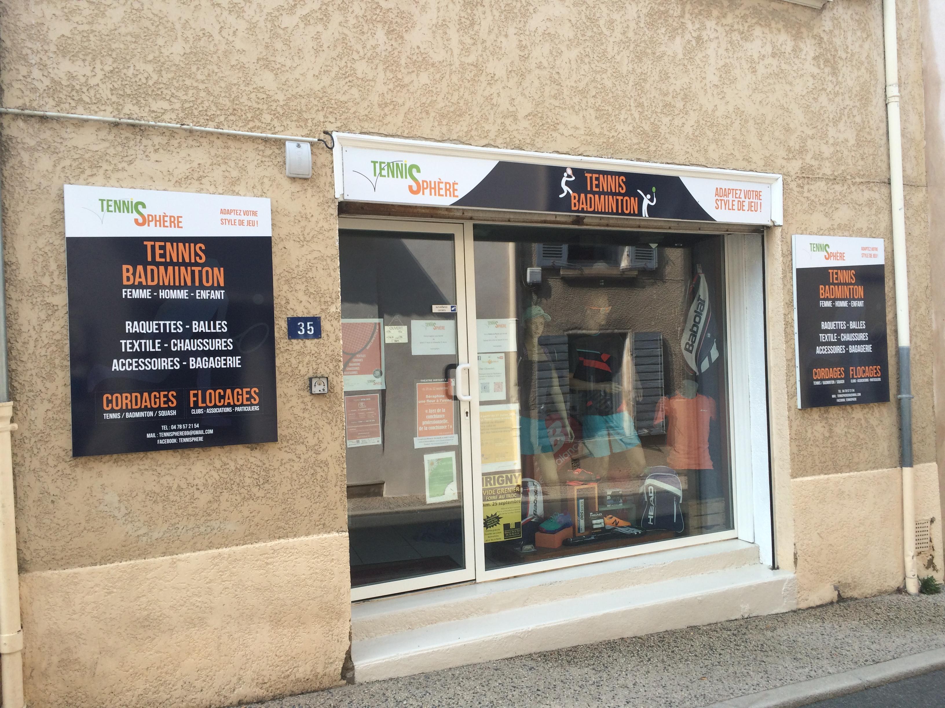 "Enseigne magasin ""Tennisphère"" à Charly #Yllog"