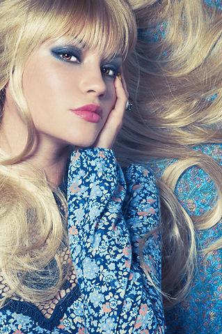 מילוי שיער דליל מעל המצח אצל נשים