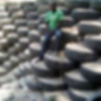 Un mur de pneus à grimper