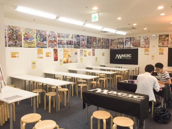 大阪駅前第3ビル店2階にでっかく移転!!