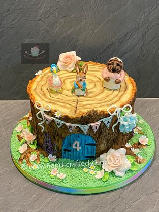 BYC-136-Peter-Rabbit-TreeStump-Cake.jpg