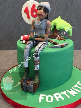 TYA-90-Fortnite-Cake