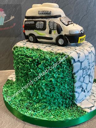 WBC-215-Camper-Van-Cake