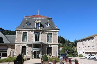 520px-43087_-_Dunières_Mairie.JPG