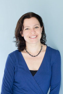 Dr Louise Oliver