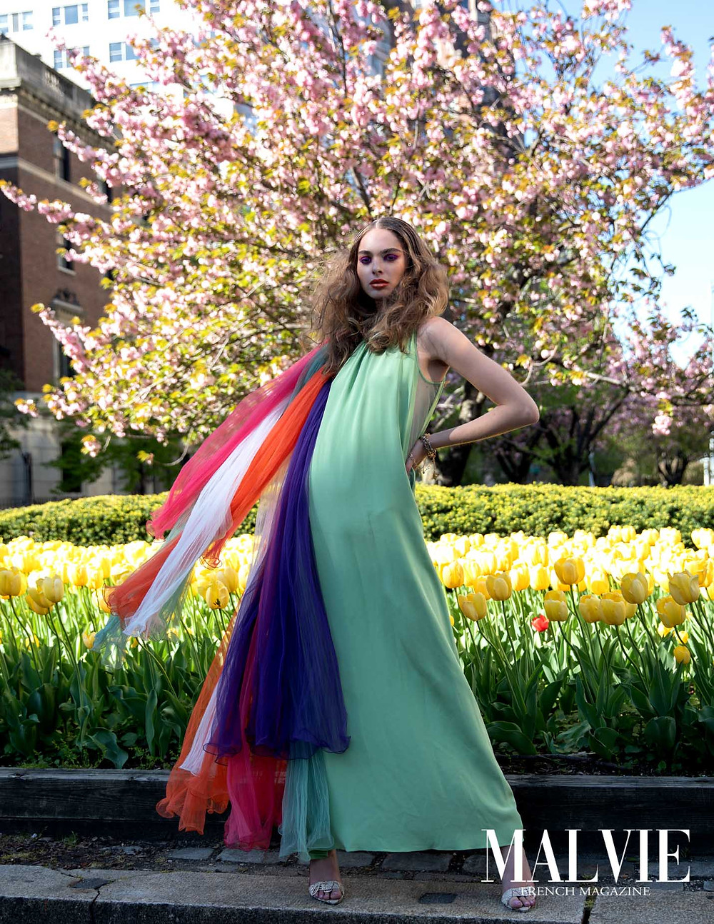 TULLE CAPE: MANTHEY  DRESS: MANTHEY  JEWELRY: MARIE-LISE LACHAPELLE  SHOE: KARIBBEAN ANNMARIE