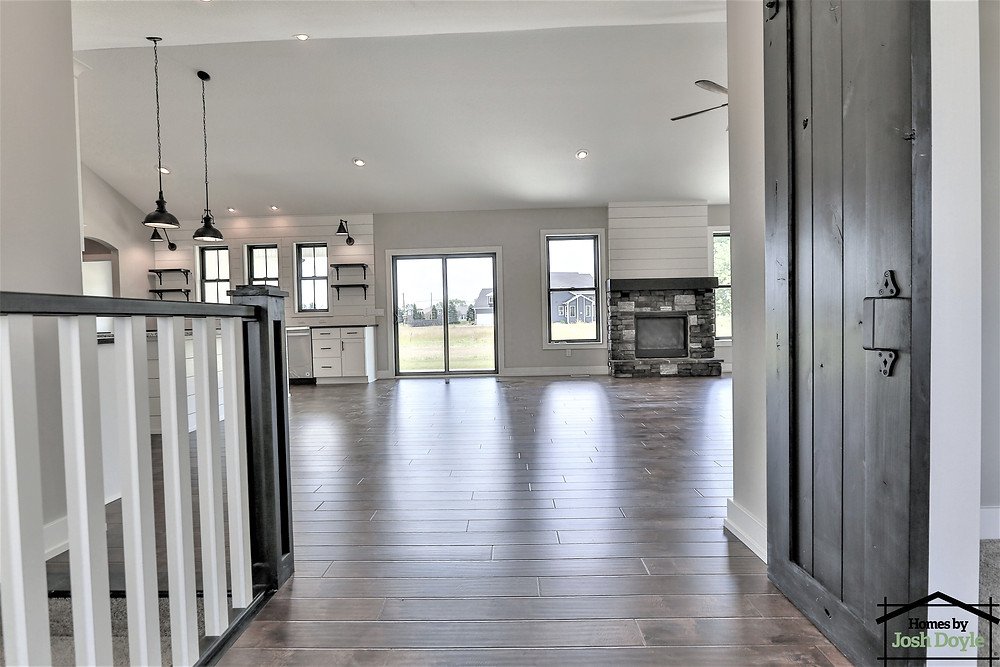 entry way of urban farmhouse floor plan