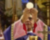 Fondatore degli Araldi durante la Santa Messa