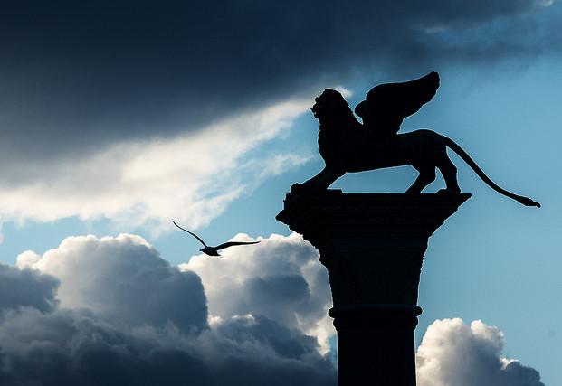 L'arte di volare, Araldi del Vangelo.-003