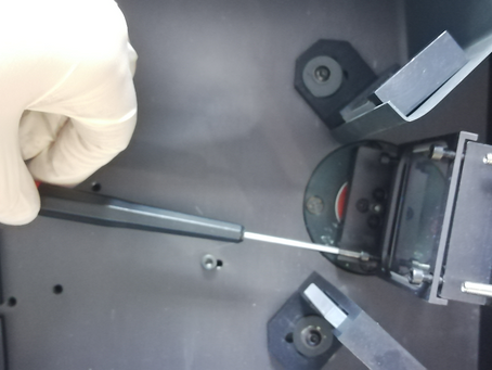 Replacement of a diffraction grating in the OPTEL Opole M250 monochromator