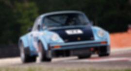 roadstr-location-porsche-930-turbo-group