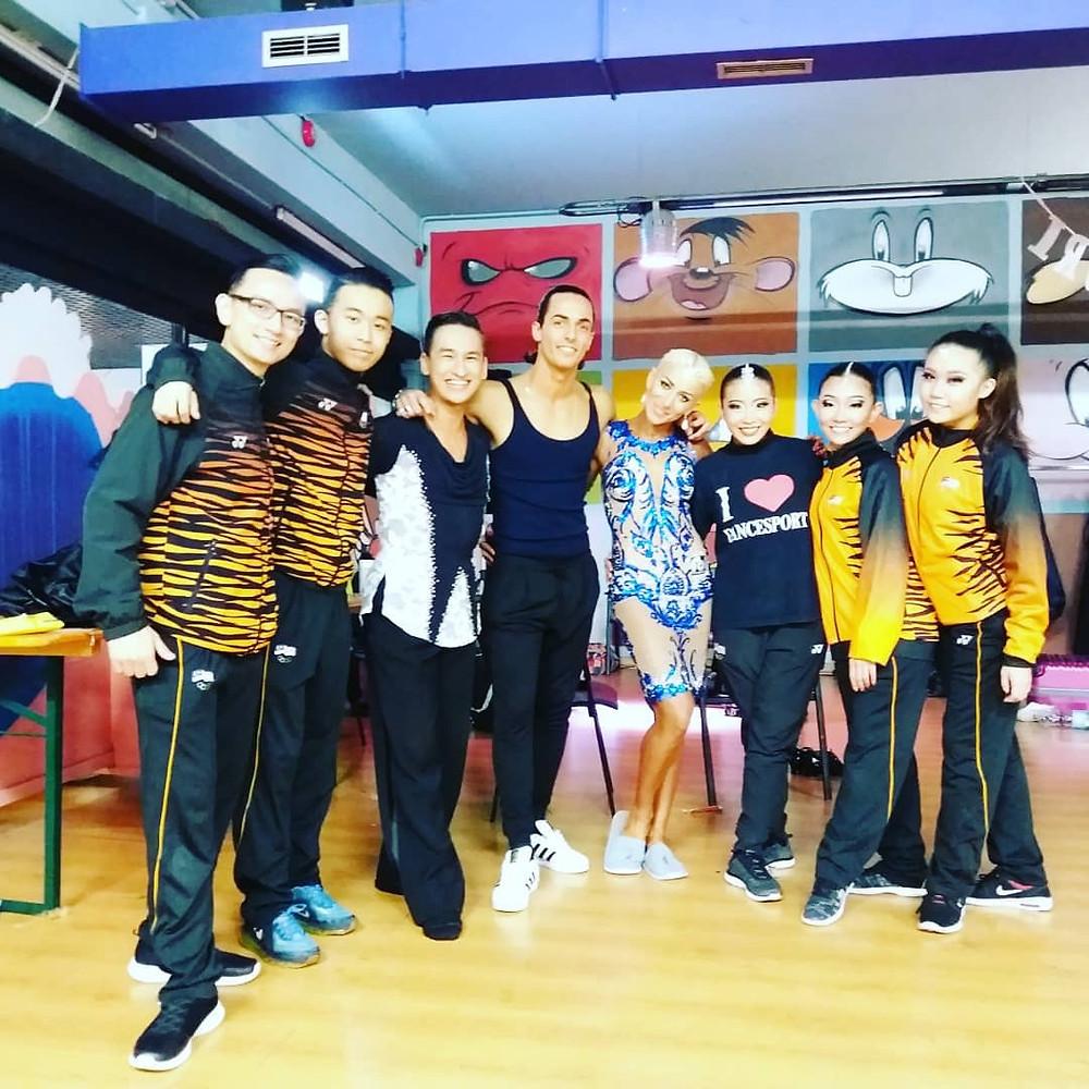 From Left: Chua Zjen Thak, Yap Chin Yee, Chua Zjen Fong, Gabrielle Goffredo, Anna Matus, Evon Chong, Che Xin Nee, Yap Chi Yew