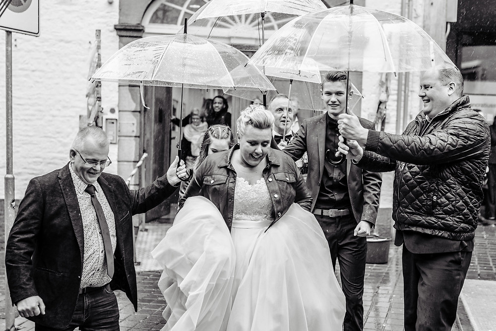 Fotoshoot - Trouwreportage - Utrecht - Amsterdam - Fotografie - Bruidsfotograaf - Trouwfotograaf - Kleurrijk - Spontaan - Romantisch - YourMoments