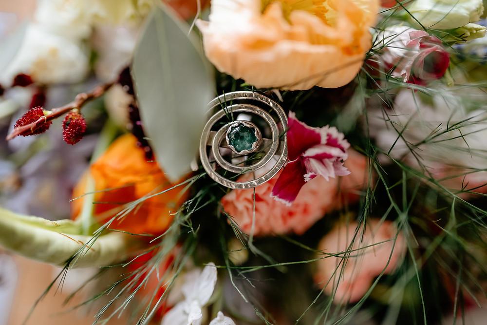 bruiloft fotoreportage liefde huwelijk fotografie yourmoments utrecht bruidsboeket ring