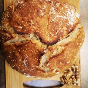 לחם אגוזים ללא לישה.
