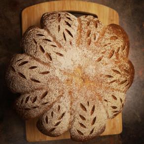 לחם מקמח מלא בעיצוב דלעת