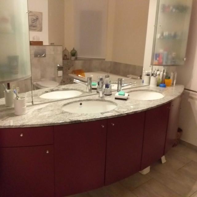 Badezimmer alt.jpg