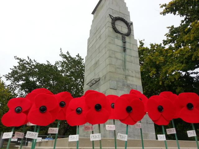 Hamilton Memorial Park Cenotaph.jpg