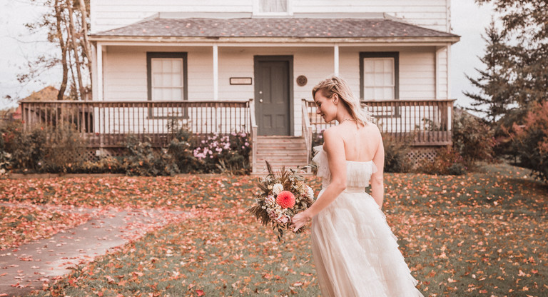 Bride in front of the Gould-Carmody House