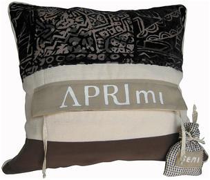 Chimbilla Pods cushion