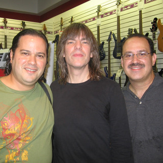 With Guitarist/Composer Mike Stern and my mentor Bassist Extraordinaire Nicky Orta (Miami September 2006)