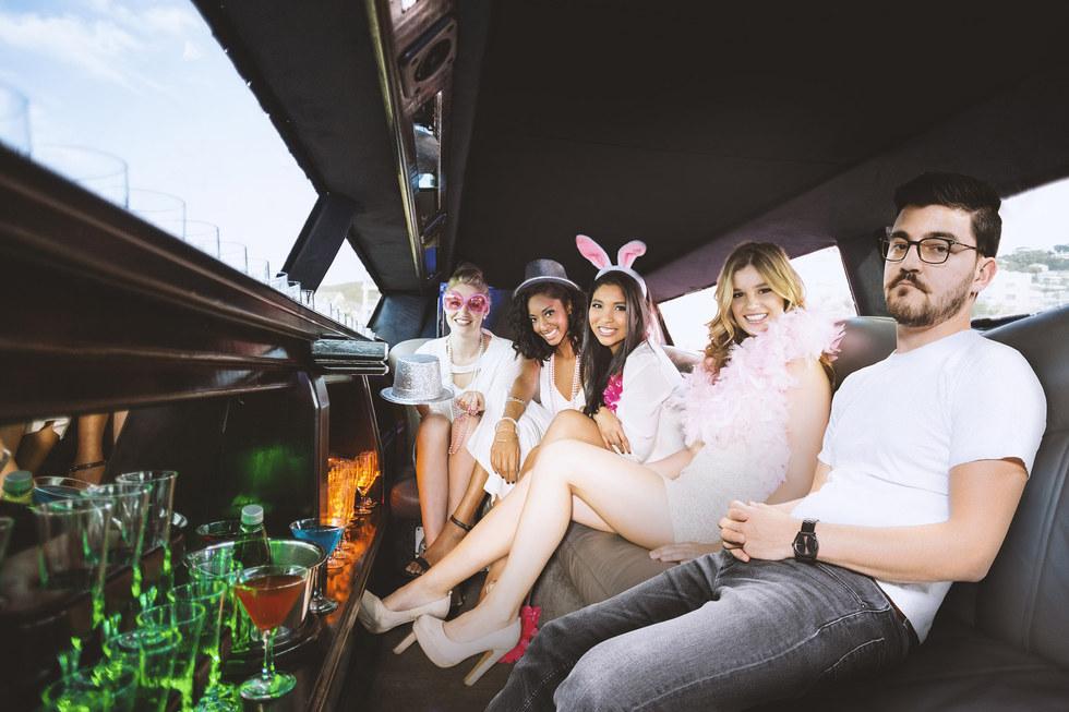 Hekuran_limousine.jpg