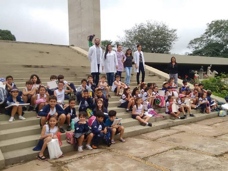 "Alunos realizam aula passeio no Monumento ""Heróis do Jenipapo"""