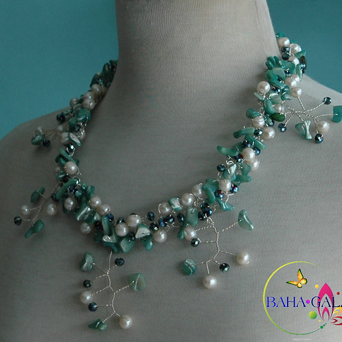 Gorgeous Turquoise Mother Of Pearl & Freshwater Pearls Necklace Set.