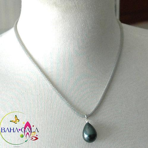 Charcoal Shell Pearl Pendant.
