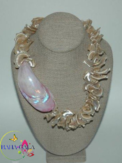 Tan Mother of Pearl Necklace & Earring Set.