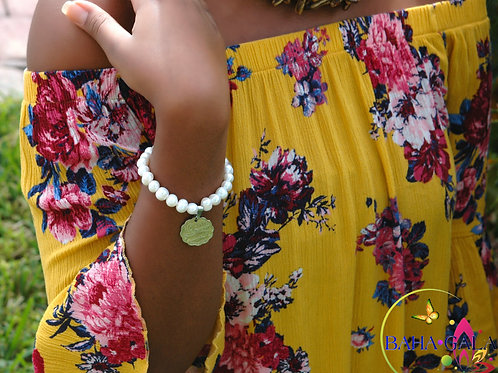 Freshwater Pearls & Bahamian $0.10 Cent Coin Bracelet.
