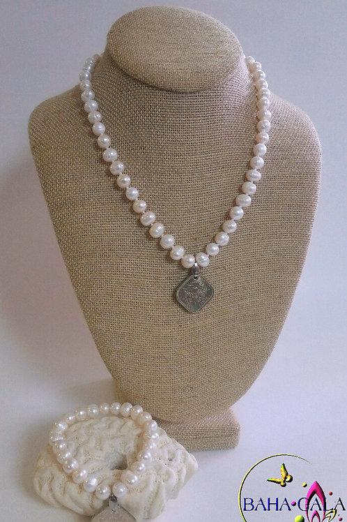 Lovely $0.15 Cent Coin Freshwater Pearl Necklace, Bracelet & Earring Set.