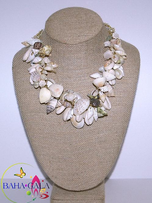 Natural Bahamian Shells Crocheted Necklace Set.