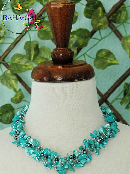 Dyed Turquoise Mother Of Pearl Necklace & Earring Set.