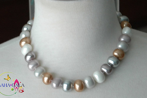 Lovely Multicolored Shell Pearls Necklace & Earring Set.