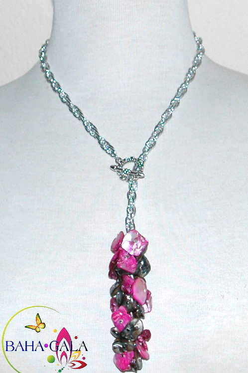 Natural Mother Of Pearl Dyed Fuscia & Black Pendant Necklace Set.