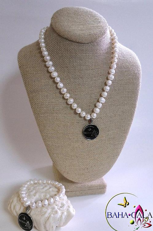 Lovely Baha Gala Freshwater Pearl Necklace, Bracelet & Earring Set.