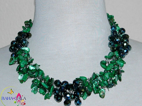 Dyed Emerald Green Natural Mother Of Pearl Necklace & Earring Set.