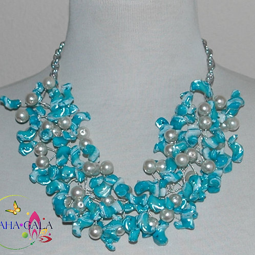 Turquoise Mother Of Pearl Nuggets Necklace & Earring Set.