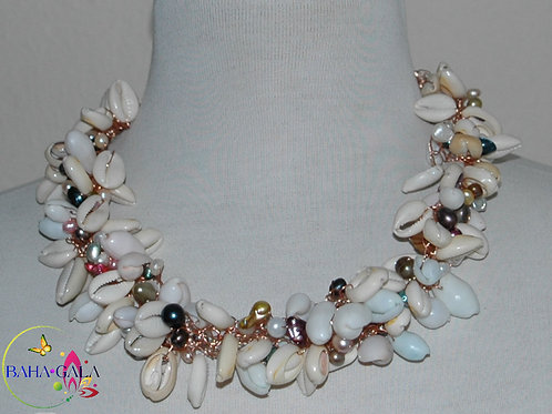 Natural Shell & Freshwater Pearls Necklace & Earring Set.