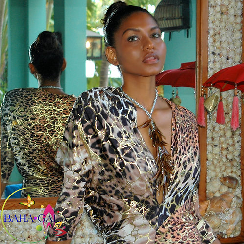 Lovely Cascading Natural Conch Horns Necklace Set.