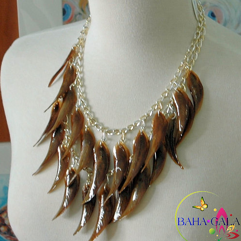 Lovely 2-Strand Natural Conch Horn Necklace & Earring Set.