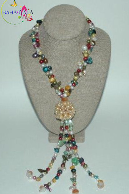 Stunning Multicolored Freshwater Pearls Necklace & Earring Set.